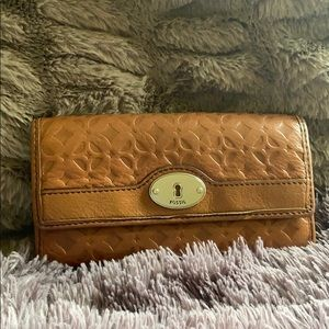 FOSSIL Flap Wallet Clutch Brown Embossed Leather